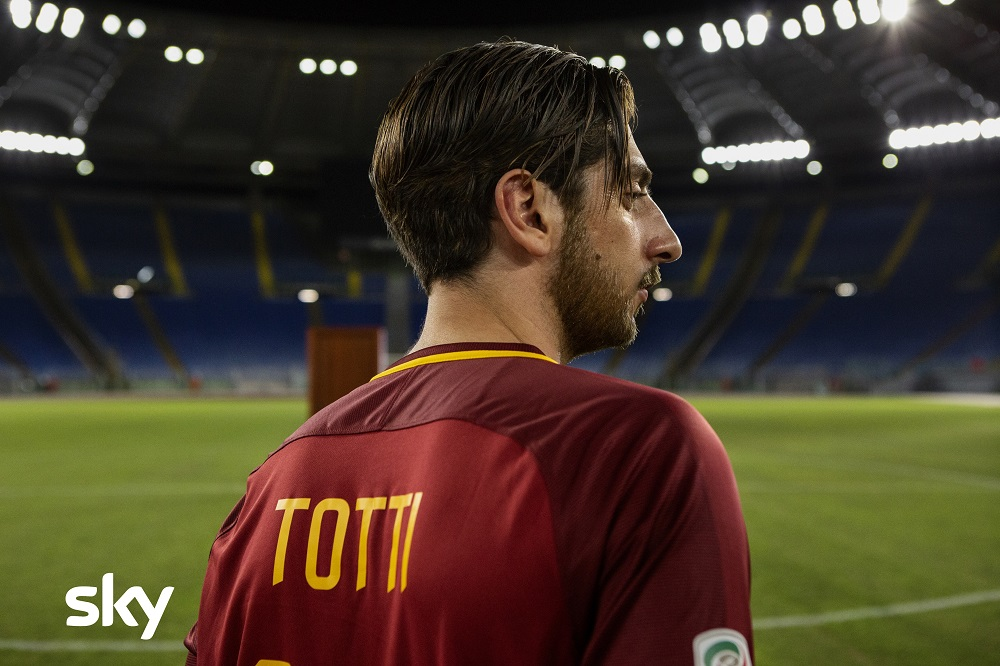 Speravo de Morì Prima la serie su Francesco Totti su Sky nel 2021 (video)