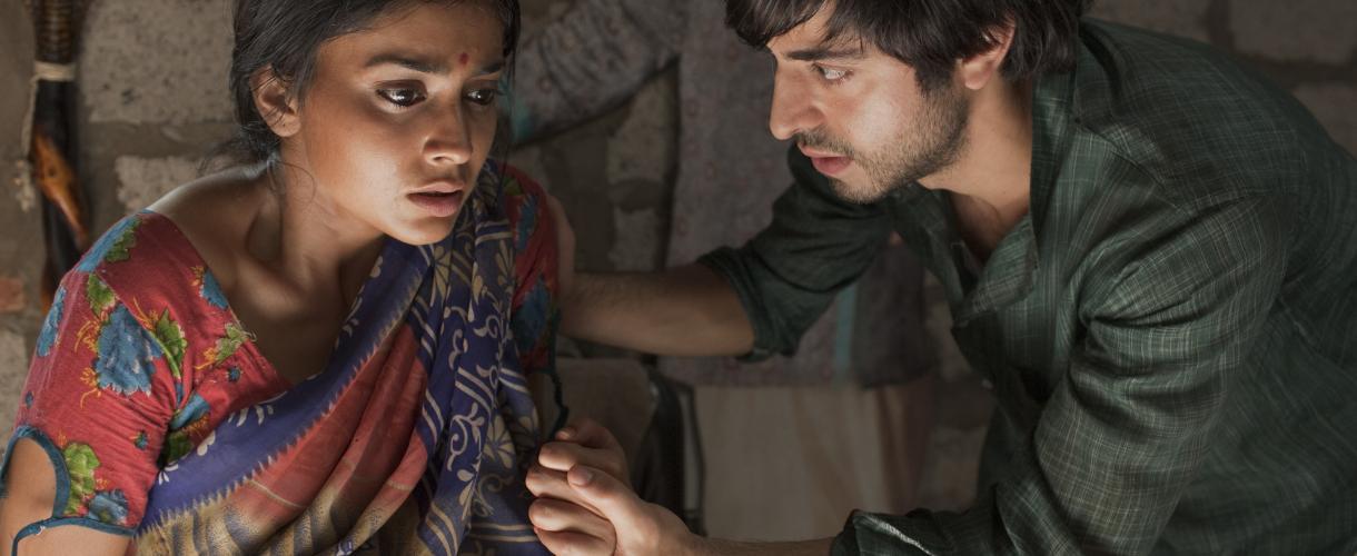 I figli della mezzanotte, la trama del film stasera sabato 15 agosto su Rai Movie