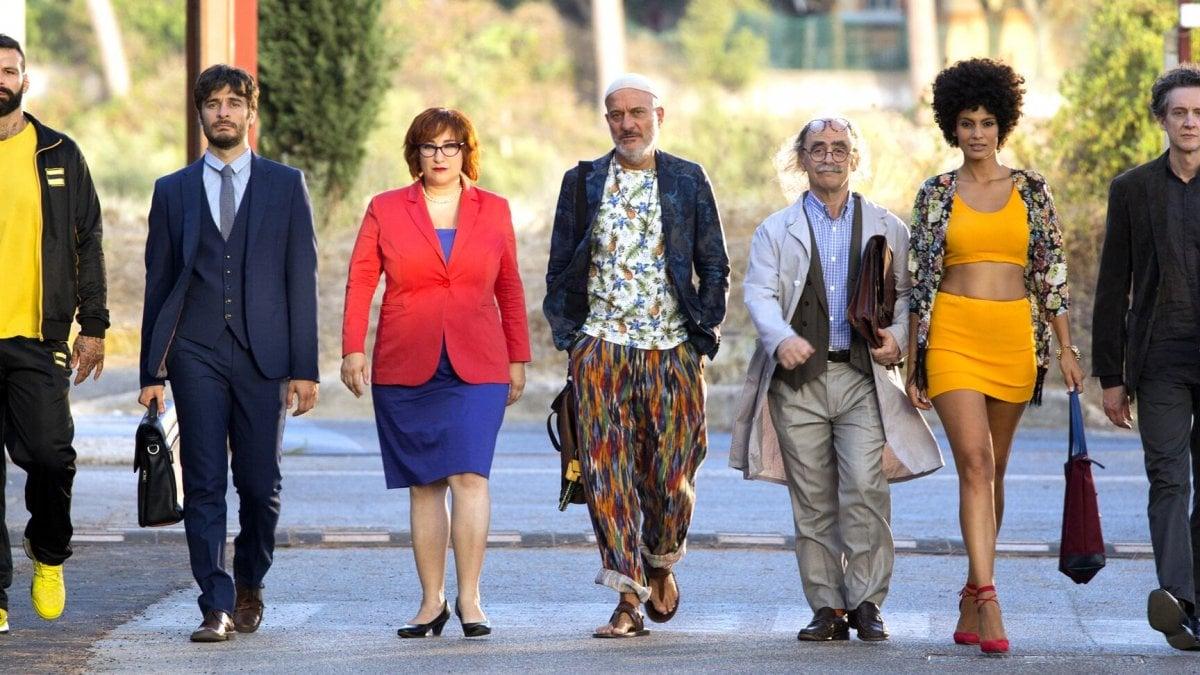 Arrivano i Prof la trama della commedia stasera su Rai 3 sabato 26 settembre