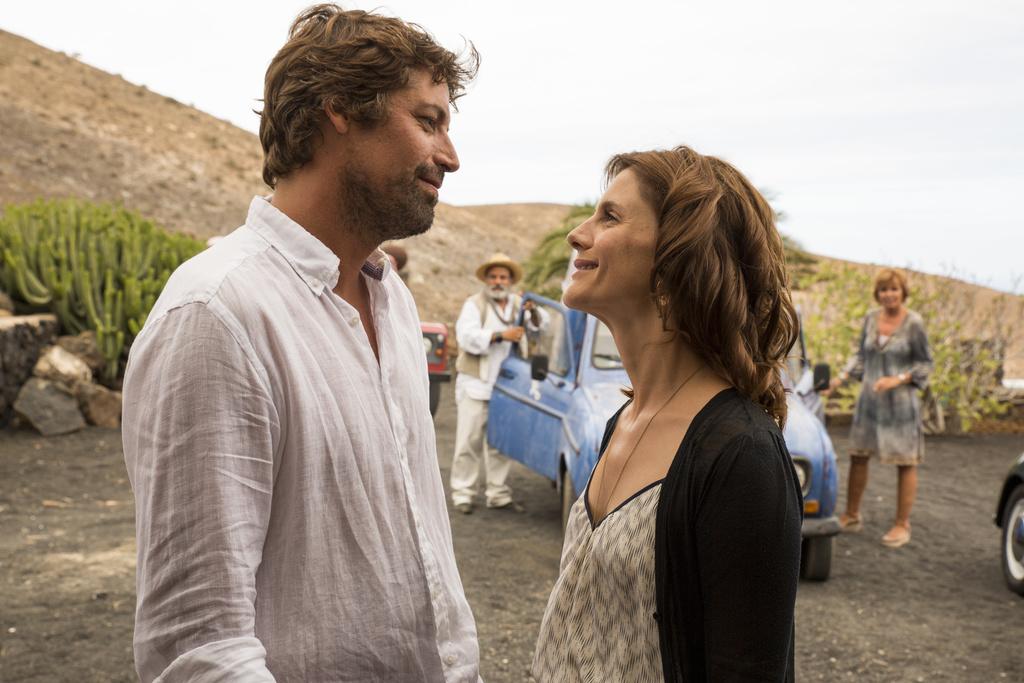Un'estate a Lanzarote la trama del film in onda stasera su Rai Premium martedì 22 settembre