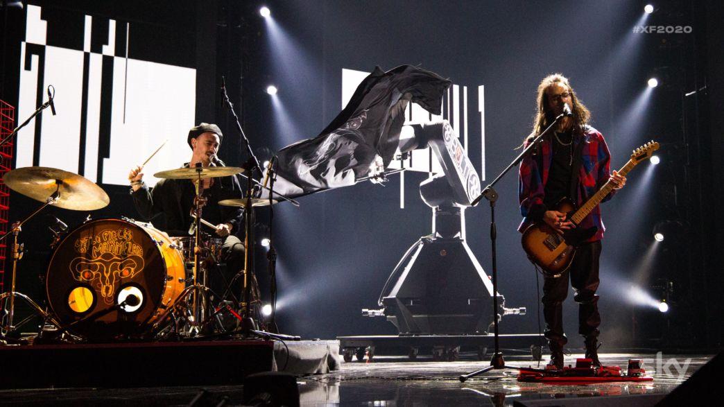 """X Factor 2020 quinto live: i LPOM cantano l'inedito """"Digital Cramps"""""""