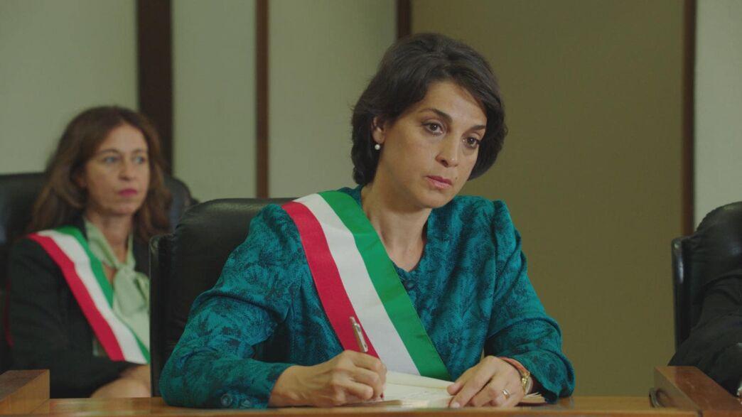 Io, una giudice popolare al maxiprocesso su Rai 1 giovedì 3 dicembre la docufiction con Donatella Finocchiaro e Nino Frassica