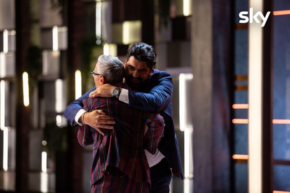 Masterchef Italia 10 giovedì 14 gennaio tra un'esterna romantica e una mystery afrodisiaca chi sarà eliminato?