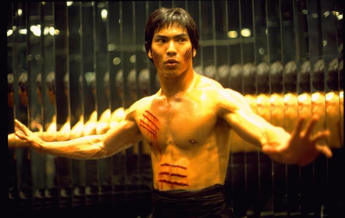 Dragon – La storia di Bruce Lee, trama e trailer del film in onda lunedì 25 gennaio su IRIS