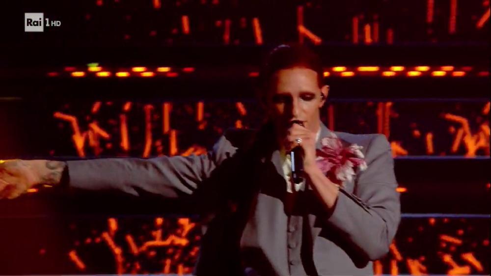 Sanremo 2021 video seconda serata: Achille Lauro è Mina per Bam Bam Twist, Elodie conquista tutti
