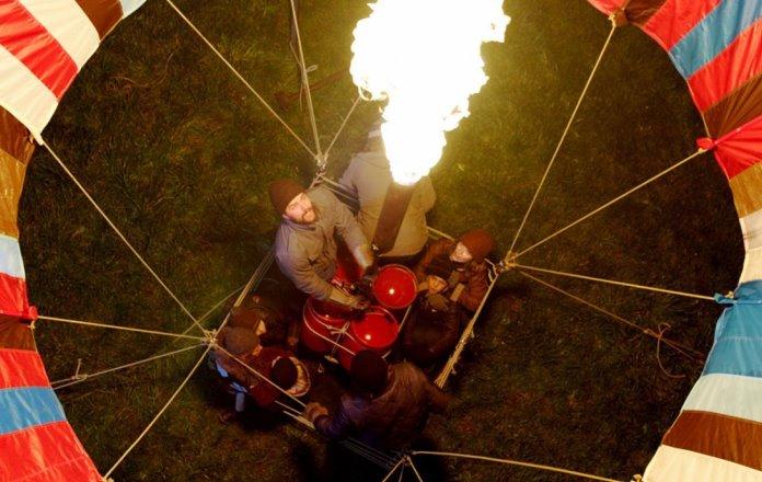 Ascolti tv lunedì 16 agosto Balloon il vento della liberta